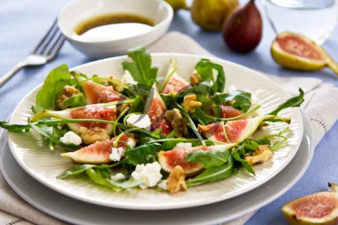İncirli Cevizli Roka Salatası