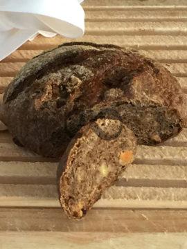 Kayısılı Cevizli Çavdar Ekmeği